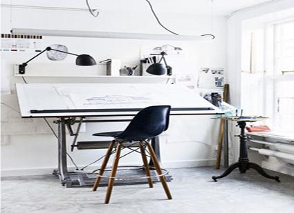 Decora tu oficina en casa decorando el hogar for Espacio de trabajo ergonomia