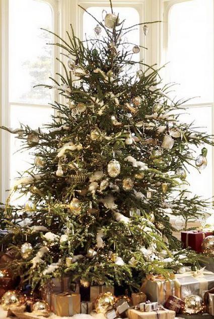 Navidad dorada decorando el hogar - Arboles de navidad dorados ...