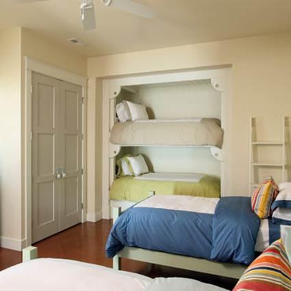 Camas en armarios decorando el hogar for Armarios con cortinas